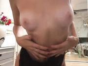Chica rusa con cuerpo perfecto quiere una polla en su vagina mojada